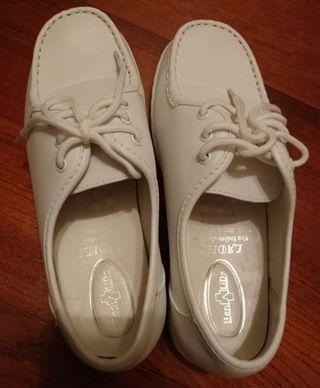 代友售 聖羅撒返學鞋