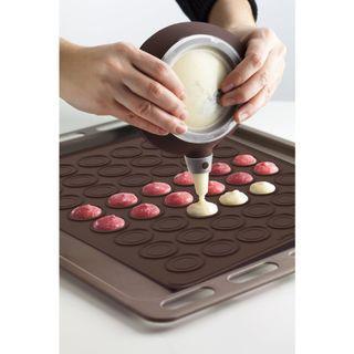 Macaroon bake set