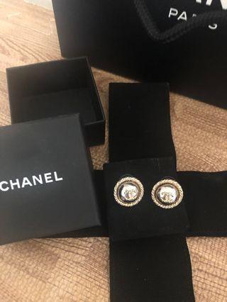 Chanel 香奈兒金色logo花邊耳環