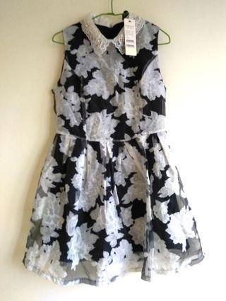 🚚 專櫃BONITTA黑白花朵歐根紗洋裝