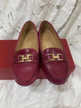 真品Ferragamo 金字包鞋