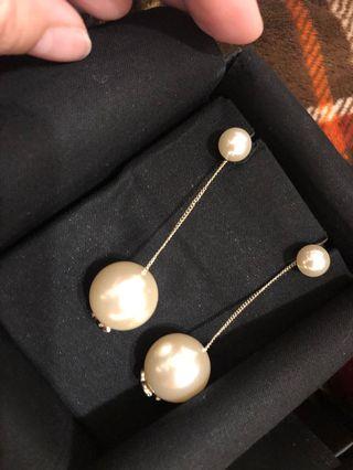 Chanel垂吊珍珠耳環