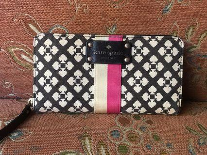 KATE SPADE Wallet 💯 authentic (preloved)
