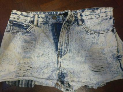 🚚 Forever 21 acid wash shorts