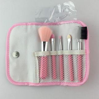 Ready stock / pos today Make Up Brush 5 pcs makeup brush basic set with pouch
