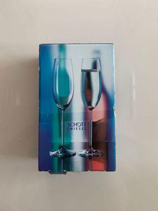 Champagne Glass (a pair)