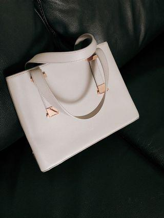 Ted Baker London rose gold/beige pink shoulder bag