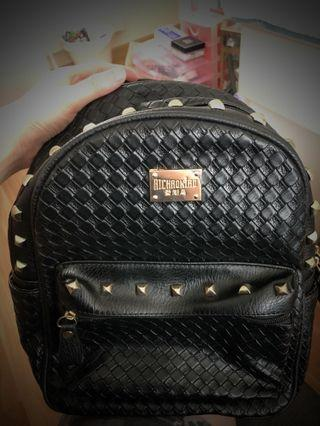 🚚 free women backbag