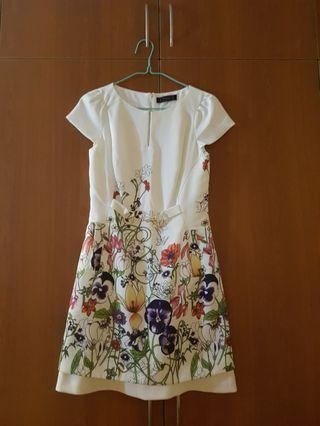 🚚 Whit Bysi Floral Dress