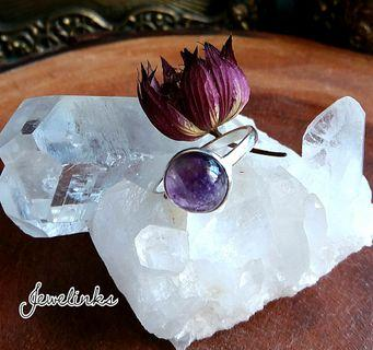 Lovely Amethyst Ring. Size 7 3/4 (US) 16 (Asia).  Set in 925 Sterling Silver.
