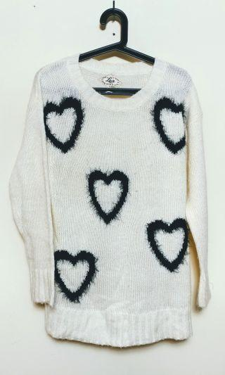 Knitted Sweater with heart patches(M)