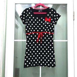 全新Disney女裝時尚黑白波點T shirts Brand New Disney Women's Fashion Black and White Dot T shirts