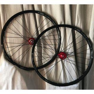 BZcycle Professional Custom hand Built Chosen 4591/4597  Loud sound/Smooth Wheel set with Sun Ringle Helix TR25SL Rims (26 er) # Tubeless Ready #