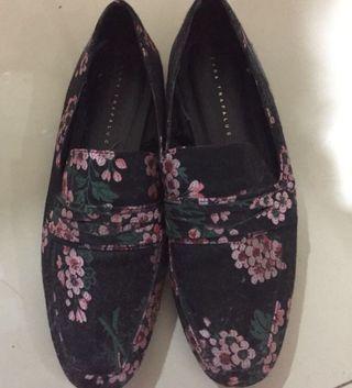 Flat shoes flower pattern zara