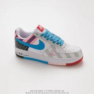 sports shoes c39a4 7575a Air Force one Parra Sneaker