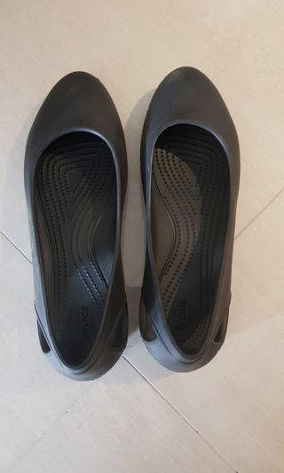 8478dce93 Preloved ladies croc (size  10)