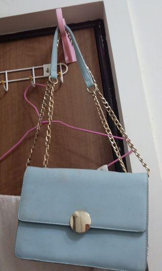 淡藍小包包