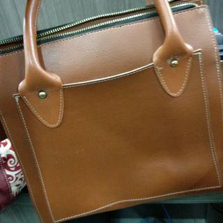Hand bag kulit revlon