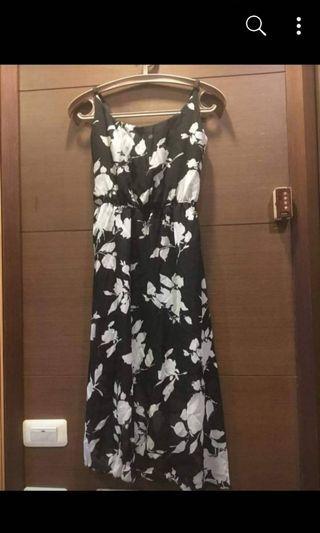 🚚 【#半價拍賣】黑色底白色印花雪紡紗洋裝