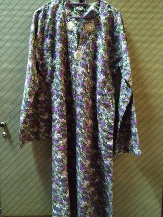 Baju kurung with beads