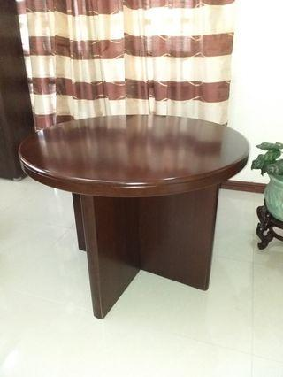 OFFICE: Round Table with 4 for Swivel Chairs