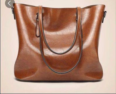 Light weight handbag