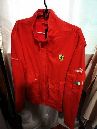 Puma Ferrari jacket size M can fit L