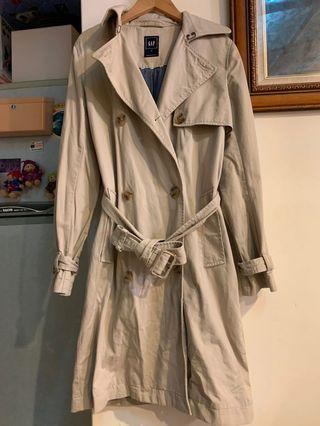 🚚 Gap 硬版風衣外套