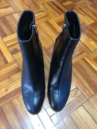🚚 達芙妮(Daphne)藍黑雙色中筒靴