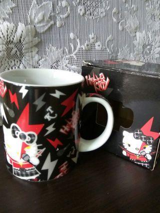 Hello Kitty 黑色閃電杯