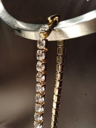 Gold tennis chains