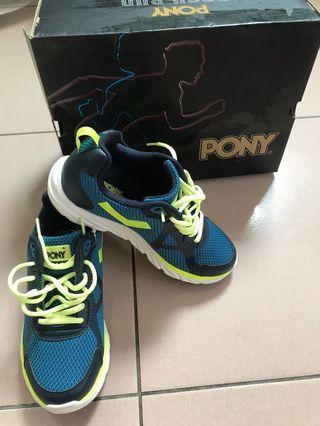 🚚 全新藍色螢光pony輕量透氣運動鞋布鞋5.5 22.5cm