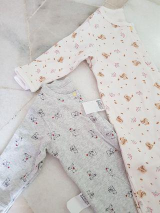 Uniqlo Baby Sleepsuits/Pyjamas (9-12m) 2pcs