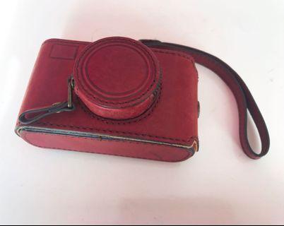 🚚 Fossil camera case