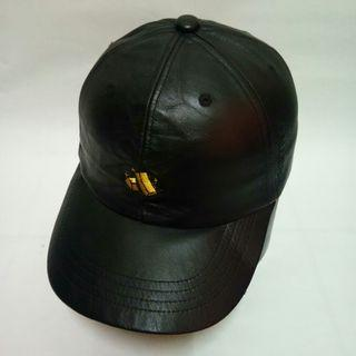 24 karats leather cap