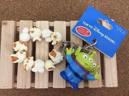 🚚 日本迪士尼 玩具總動員 三眼怪 爆米花 吊飾 鑰匙圈