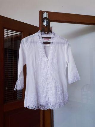 Kebaya Renda Bordir sale