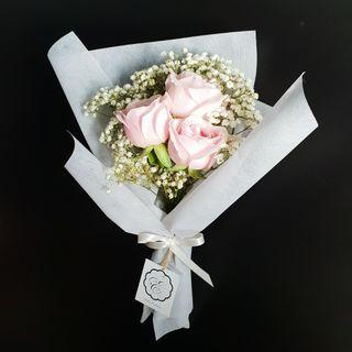 ♡PROMO♡ Mother's Day Roses and Baby's Breath Bouquet