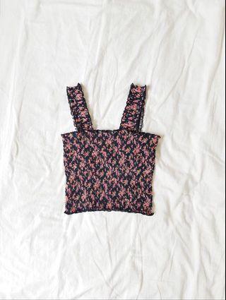 🚚 floral smocked crop top
