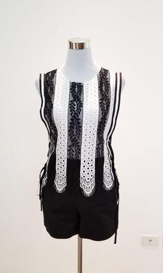 alexander mcqueen black and white lace top