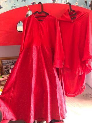 Gamis Merah