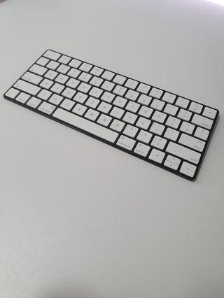 Apple Magic Keyboard 2 (Slickwraps Skin)