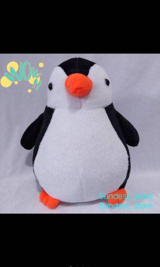 Boneka pinguin dolls