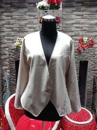 Blazer warna Khaki (Cream)