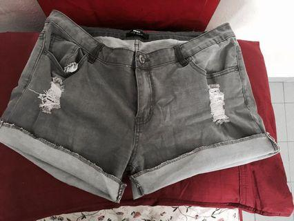 torn Jeans shorts
