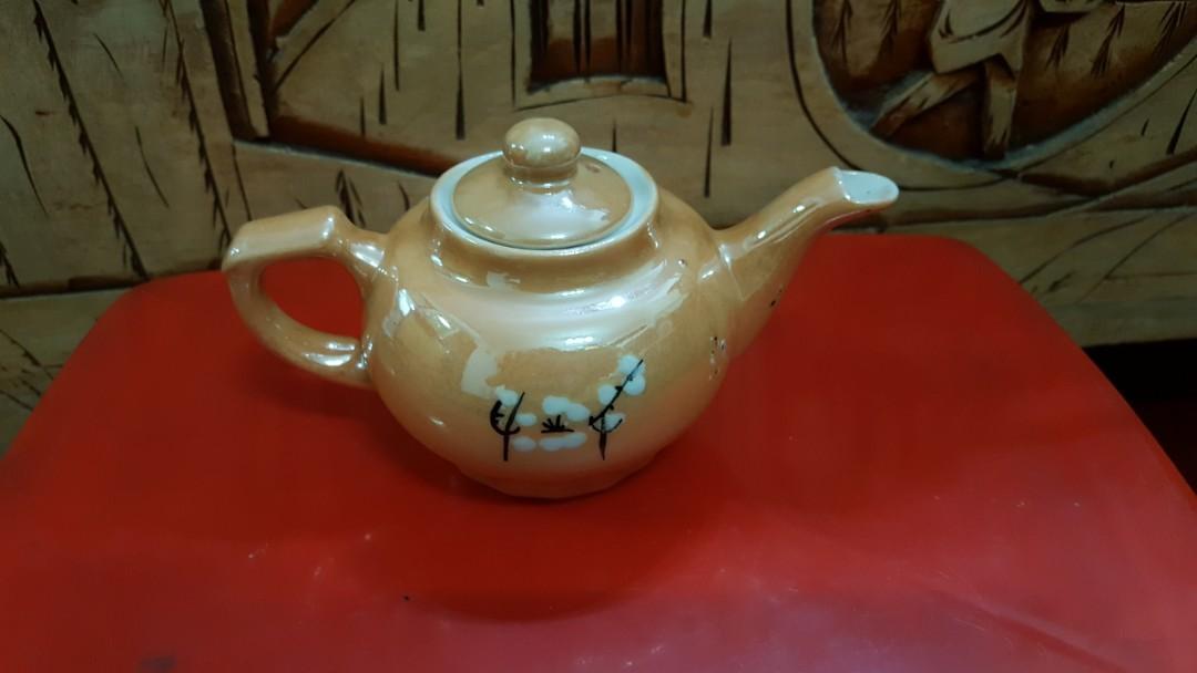 文革醴陵電光釉手繪梅花執耳壺,全長約15cm高8cm