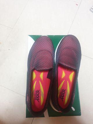 Sketchers shoe size 38