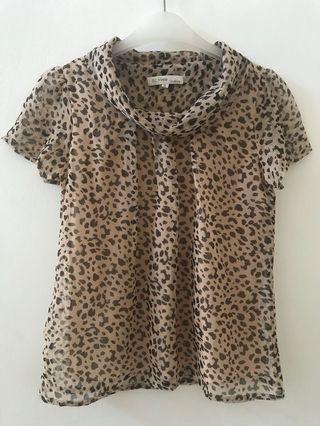 Leopard St. Yves