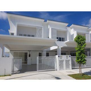 Double Storey CORNER house with club house access