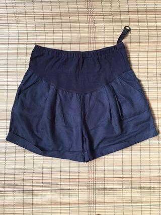 Maternity shorts 37 inches hipline